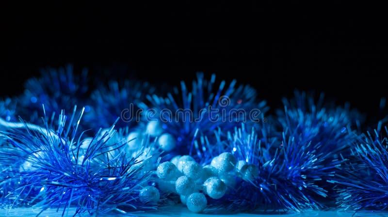 Concierto de la Navidad con los accesorios azules fotografía de archivo libre de regalías