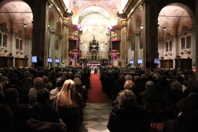 Concierto de la Navidad en la ciudad de Busto Arsizio foto de archivo