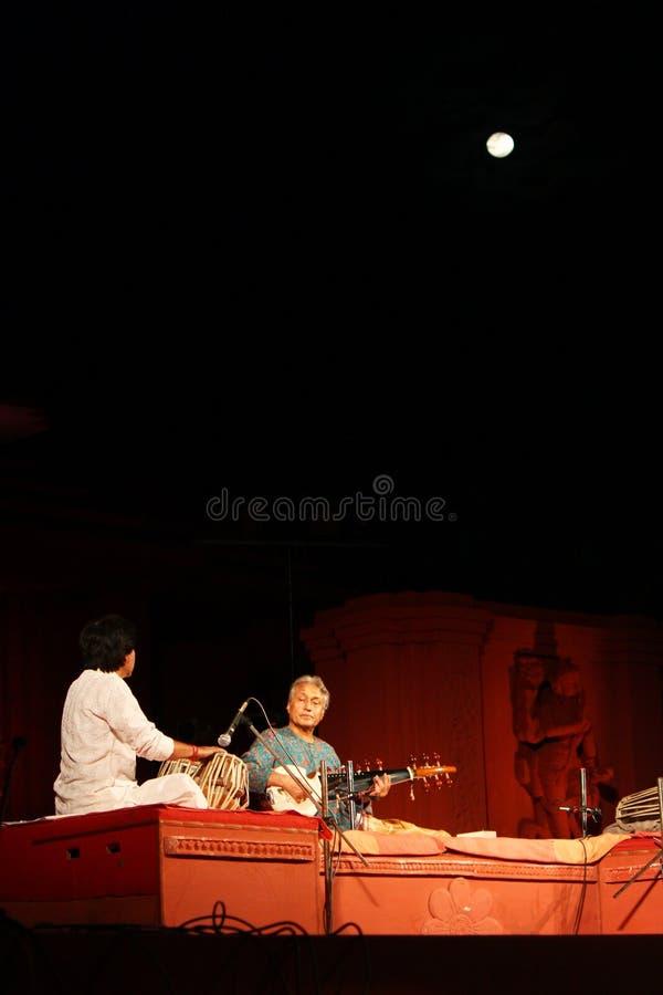 Concierto de Ustaad Amjad Ali Khan en Konark imagen de archivo libre de regalías