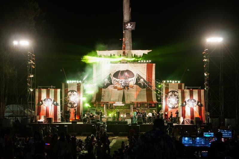 Concierto gitano del carnaval, etapa del Caribe del tema del pirata fotos de archivo