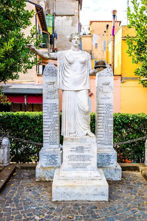Conciudadanos que conmemoran de la estatua en Grottaferrata, Italia imágenes de archivo libres de regalías