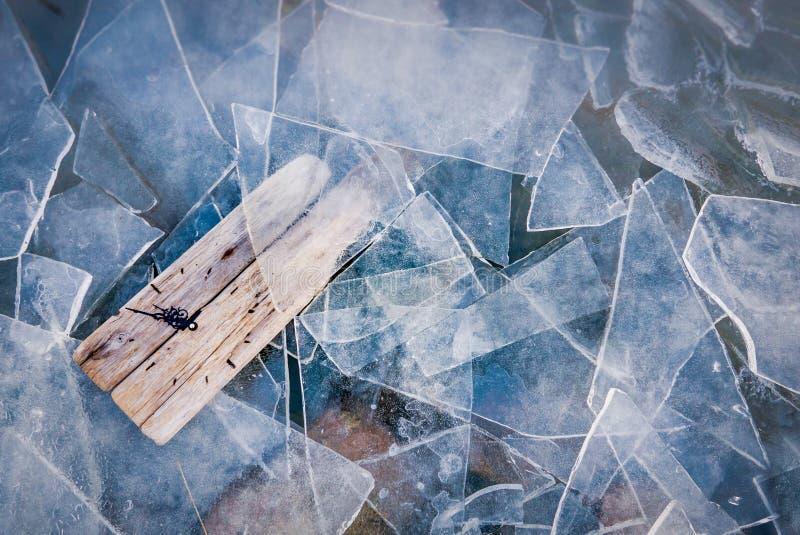 Conclusione dell'inverno, concetto di riscaldamento globale Cambiamento di stagioni Copi lo PS fotografia stock