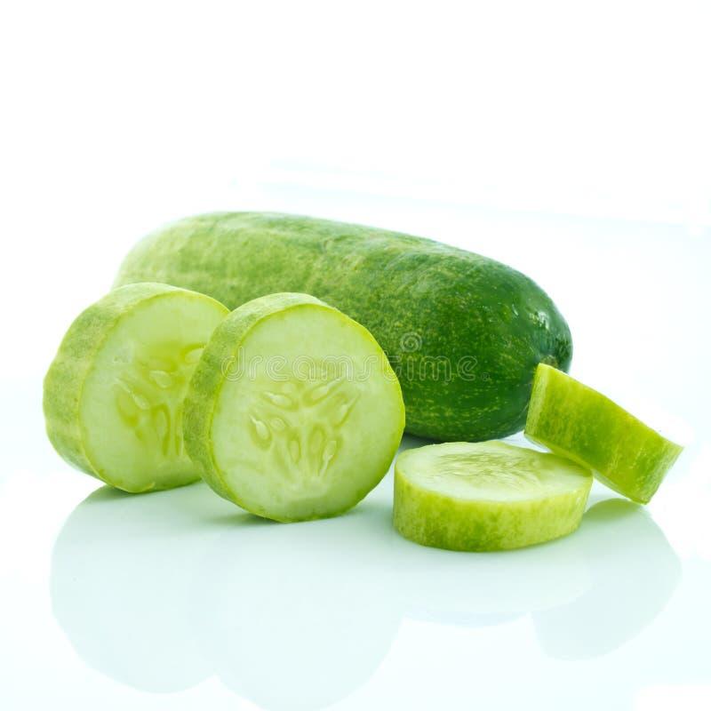Concombre coupé en tranches photos libres de droits