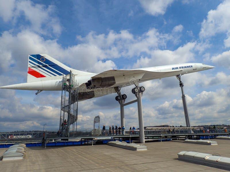 Concorde bij een museum stock afbeelding