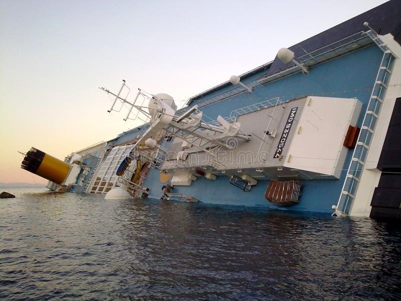 concordia costa statek wycieczkowy słabnięcie zdjęcie royalty free
