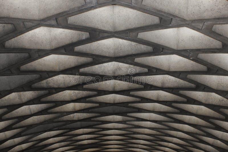 Concreet plafond van een metro, Montreal royalty-vrije stock afbeeldingen