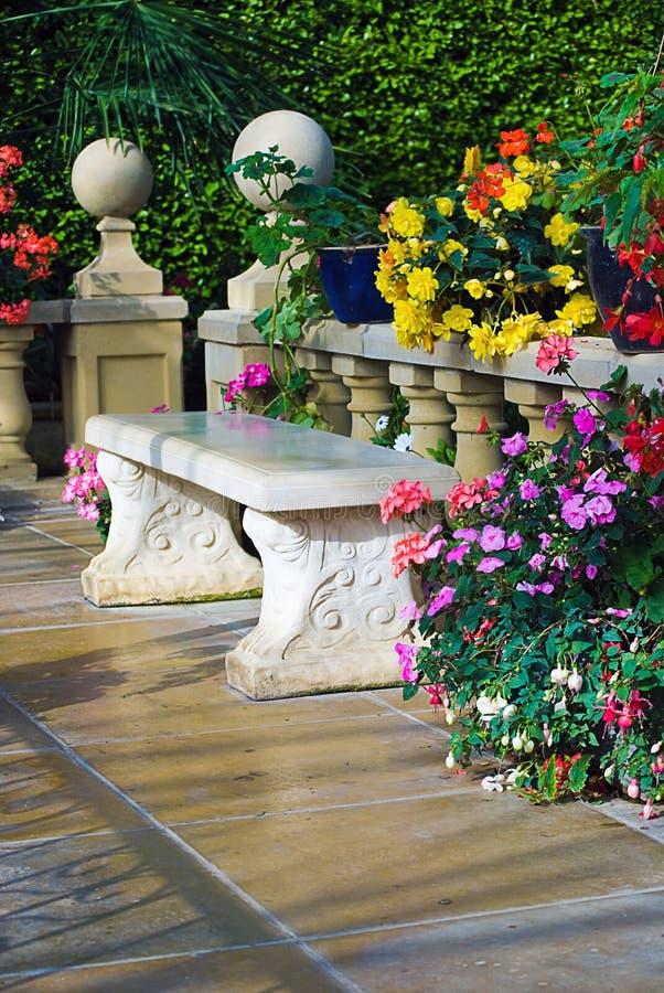 Free Concrete Bench Stock Image - 16442201