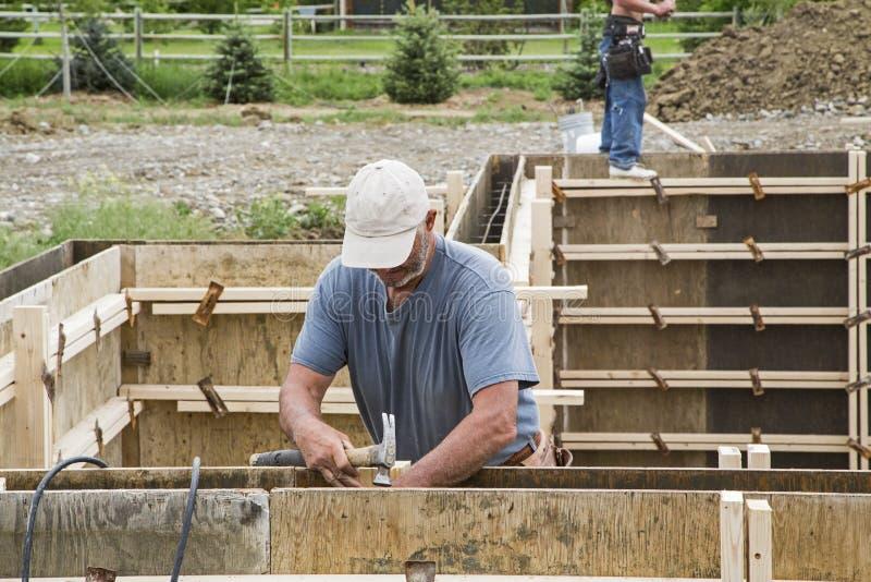 Concrete de muurvormen van de bouwkelderverdieping royalty-vrije stock afbeeldingen