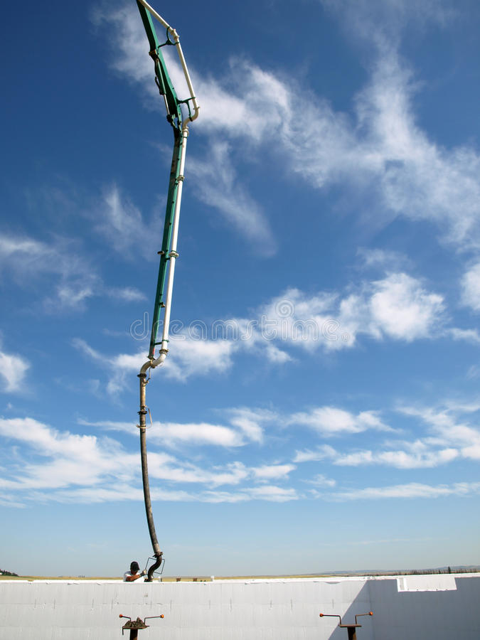 Concrete pumper en hemel scape. royalty-vrije stock fotografie