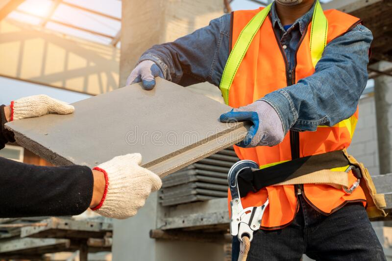 Cpac Roof Technician Construction Workers Installing Cpac Roof Tiles For Home Building Cpac Monier Cool Roof System Stock Photo Image Of Energy Housing 175814180