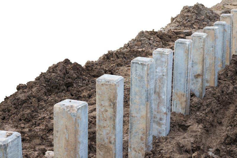 Concrete stapel met barrière voor de grond stock foto's