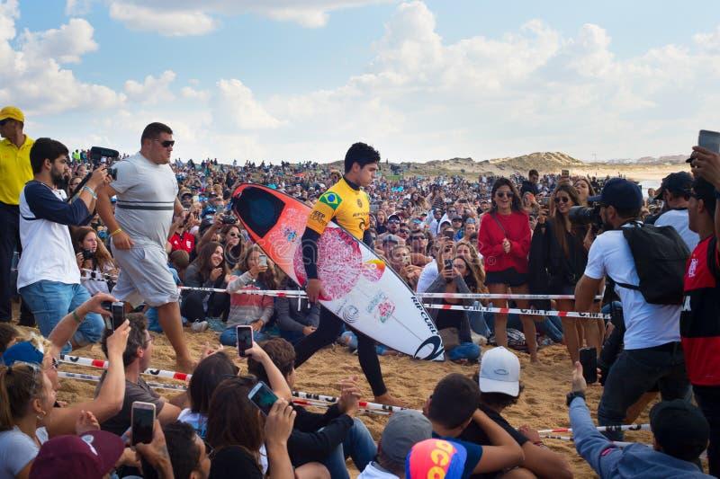 Concurrence de Gabriel Medina Pro Surfer photos stock