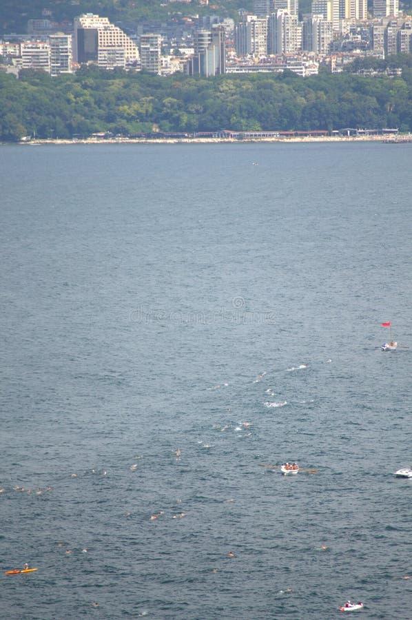 Concurrence de natation, ville de Varna photo libre de droits