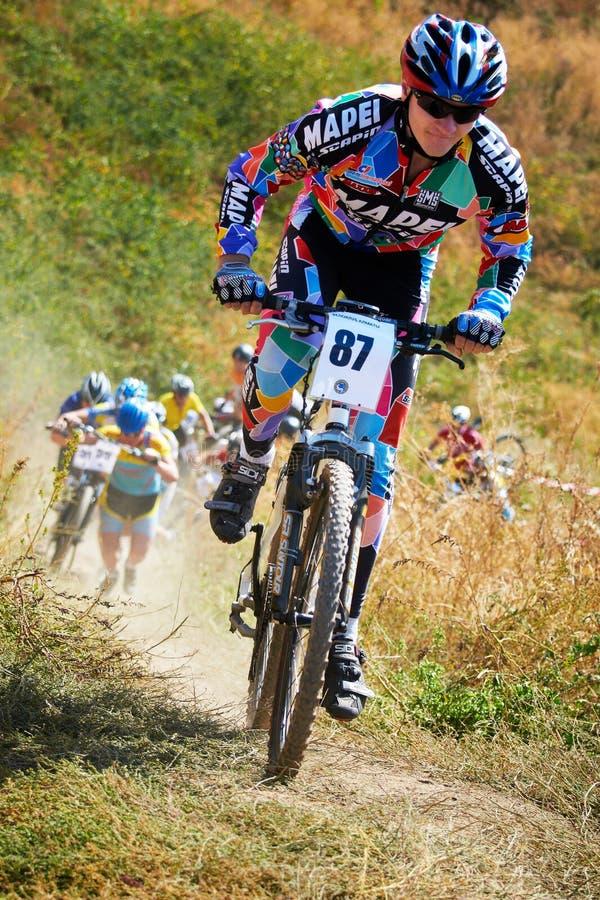 Concurrence de vélo de montagne image stock