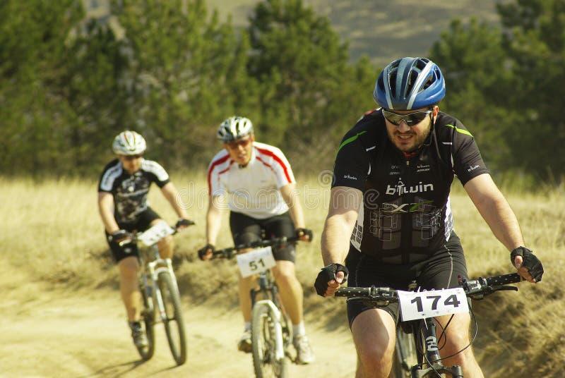 Concurrence de vélo de montagne images libres de droits
