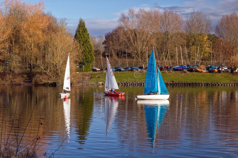 Concurrerende Varende Rubberboten, Worcestershire, Engeland stock fotografie