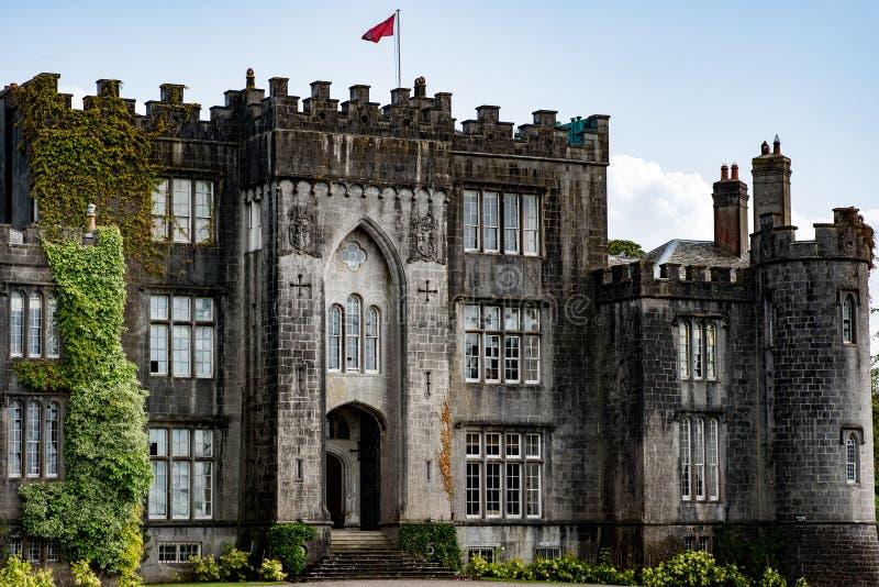 CONDADO OFFALY, IRLANDA - 23 DE AGOSTO DE 2017: Castillo del birr en el condado Offaly, Irlanda fotos de archivo