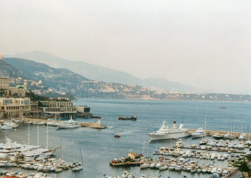 Condamine, Monte Carlo, Fürstentum Monaco - Januar 2002 - Panoramablick des Hafens Hercule Monaco im Jahre 2002 lizenzfreies stockbild