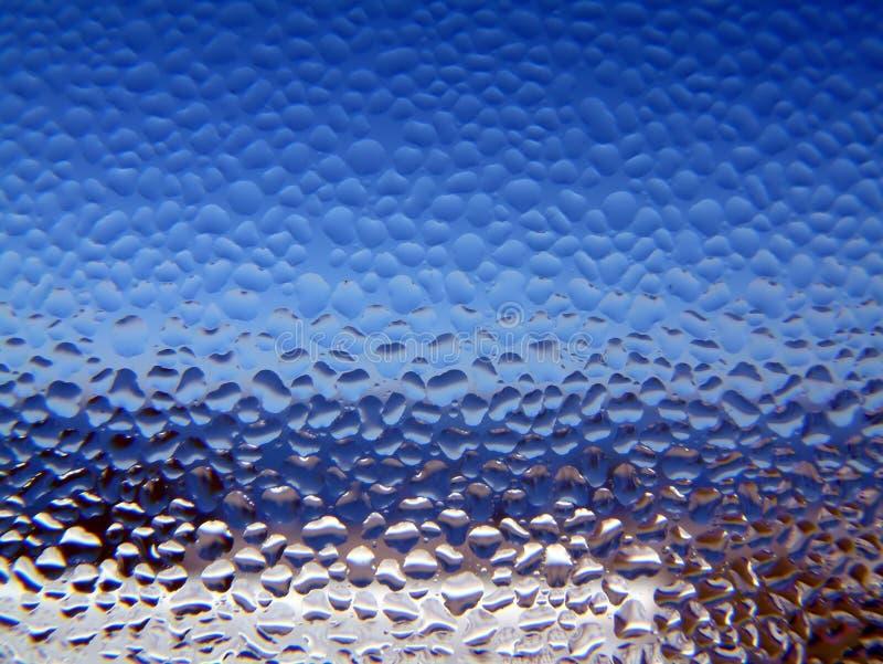 Condensación en una ventana imagenes de archivo