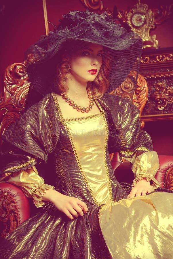 Condessa no palácio fotografia de stock royalty free