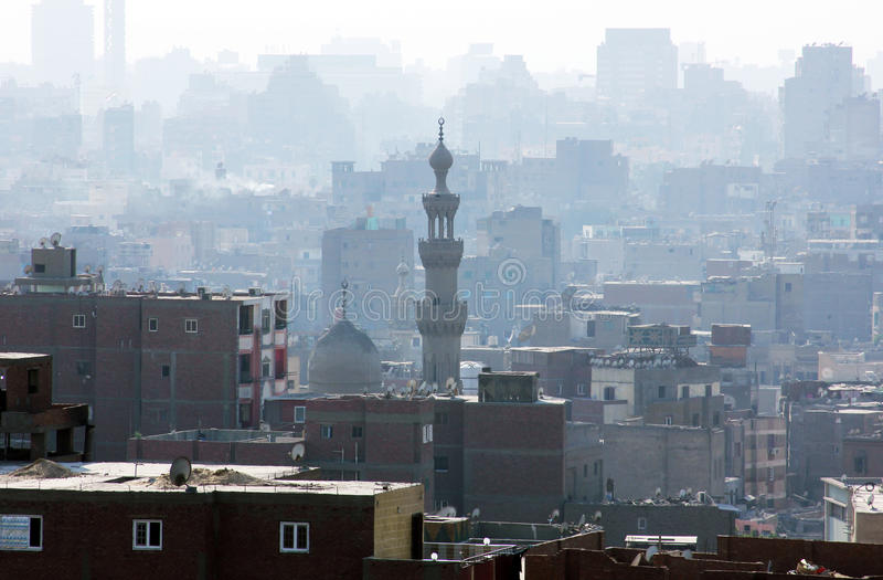 Condição obscura enevoada do ar sobre o Cairo em Egito foto de stock royalty free