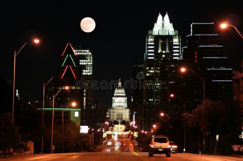 Condizione Campidoglio che costruisce alla notte a Austin del centro, il Texas fotografia stock libera da diritti