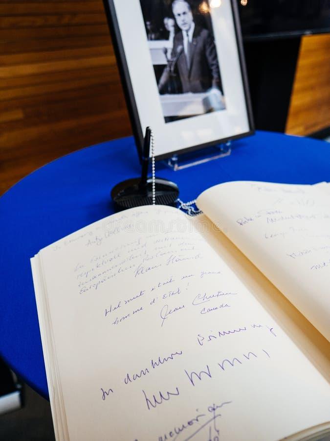 condoleances书赫尔穆特・科尔的欧洲议会的 免版税图库摄影