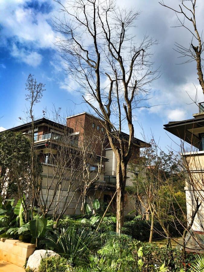 Download Condomínio Com Campo De Jogos Imagem de Stock - Imagem de jardim, exterior: 65579749