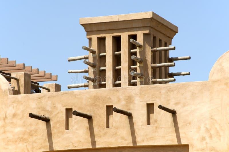Condomínios velhos em Dubai Emiratos Árabes Unidos imagens de stock royalty free
