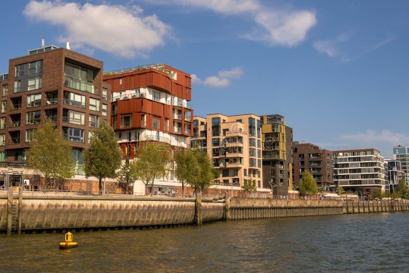 Condomini moderni nel lungomare, Hafencity, Amburgo, Germania immagine stock