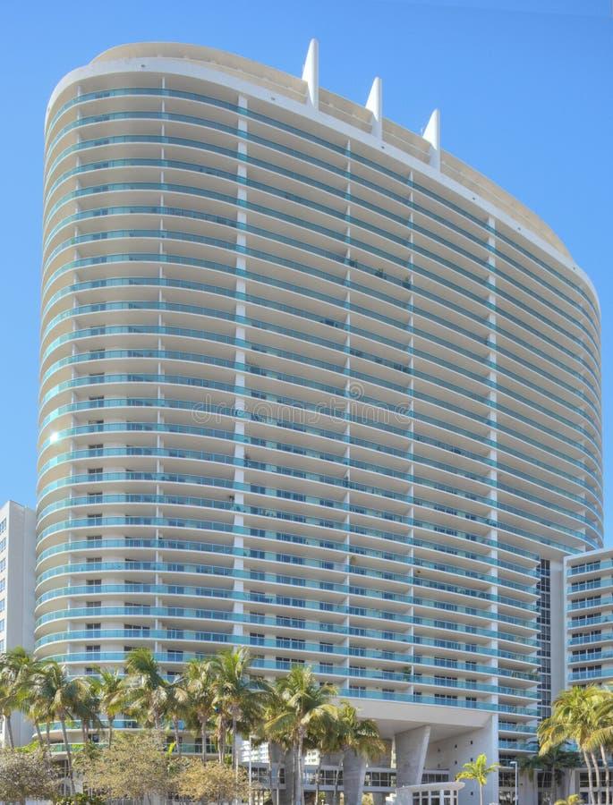 Condominio di palazzo multipiano di Miami immagine stock