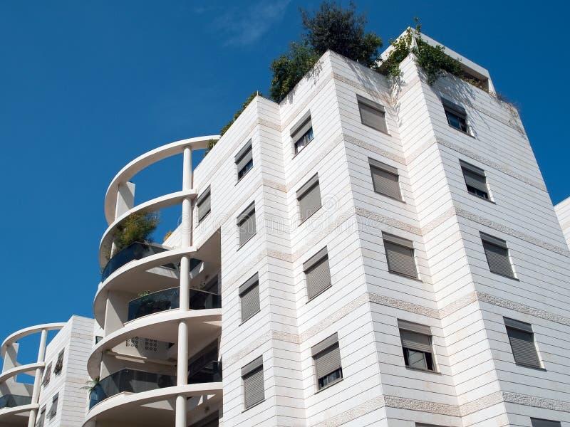 Condominio ejecutivo de los apartamentos del diseño moderno fotos de archivo libres de regalías