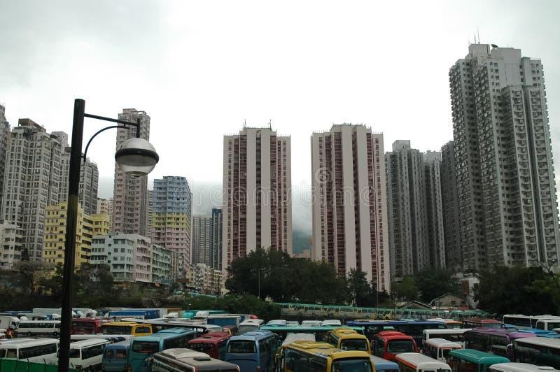 Condominios viejos de gran altura urbanos en Hong Kong foto de archivo libre de regalías