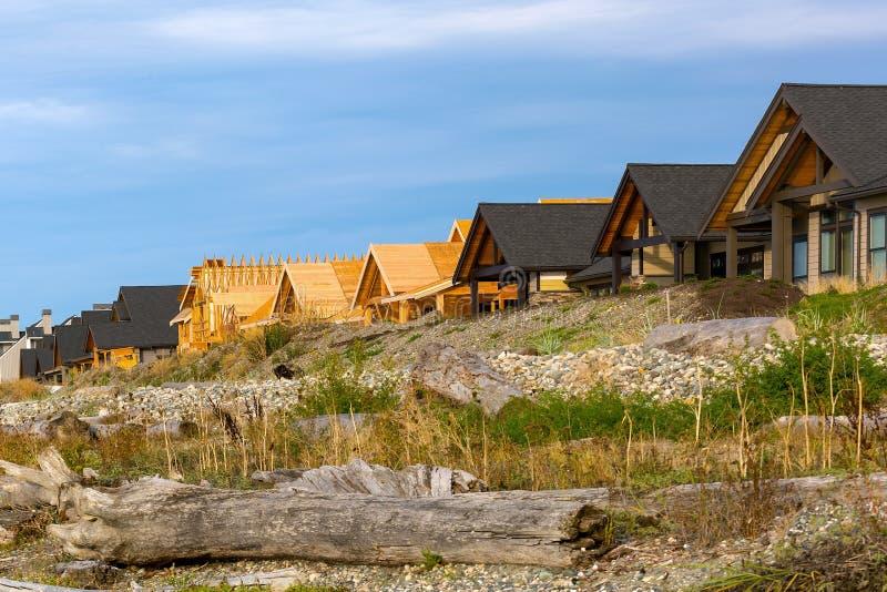 Condominiums de bord de mer sur la plage de la baie Blaine WA de Semiahmoo image stock