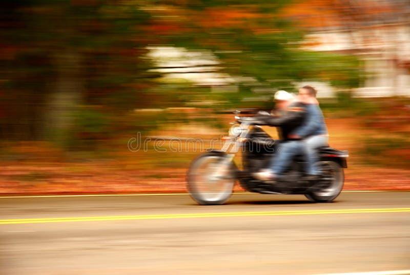 Condução da motocicleta fotografia de stock royalty free
