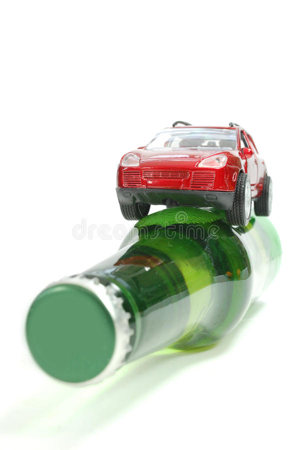 Download Condução Em Estado De Embriaguês Foto de Stock - Imagem de beber, bêbedo: 16859520