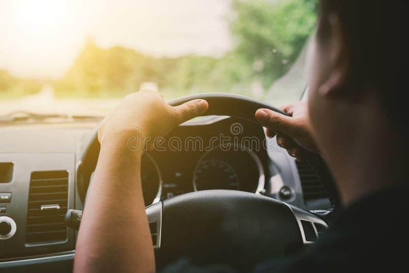 Conduca un'automobile fotografia stock libera da diritti