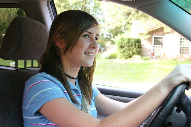 Conducción del adolescente imagen de archivo