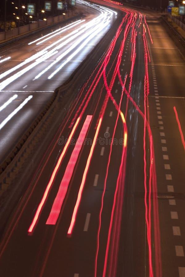 Conducción en la noche fotos de archivo
