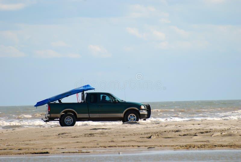 Conducción en la playa imagen de archivo libre de regalías
