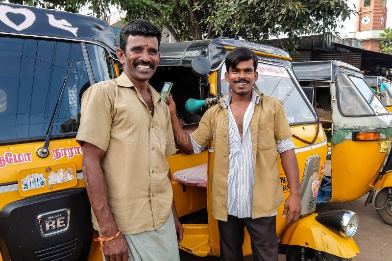 Conducteurs de Rikshaw, Chidambaram, Inde images stock