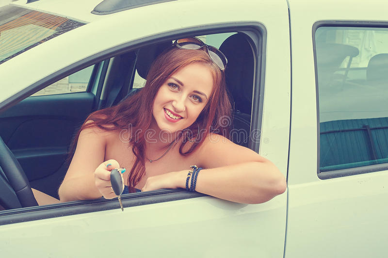Conductor de coche de la mujer imagen de archivo libre de regalías