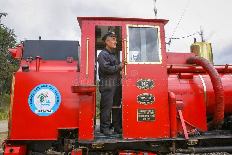 Conductor del tren en el ferrocarril meridional de Fuegian imagen de archivo libre de regalías