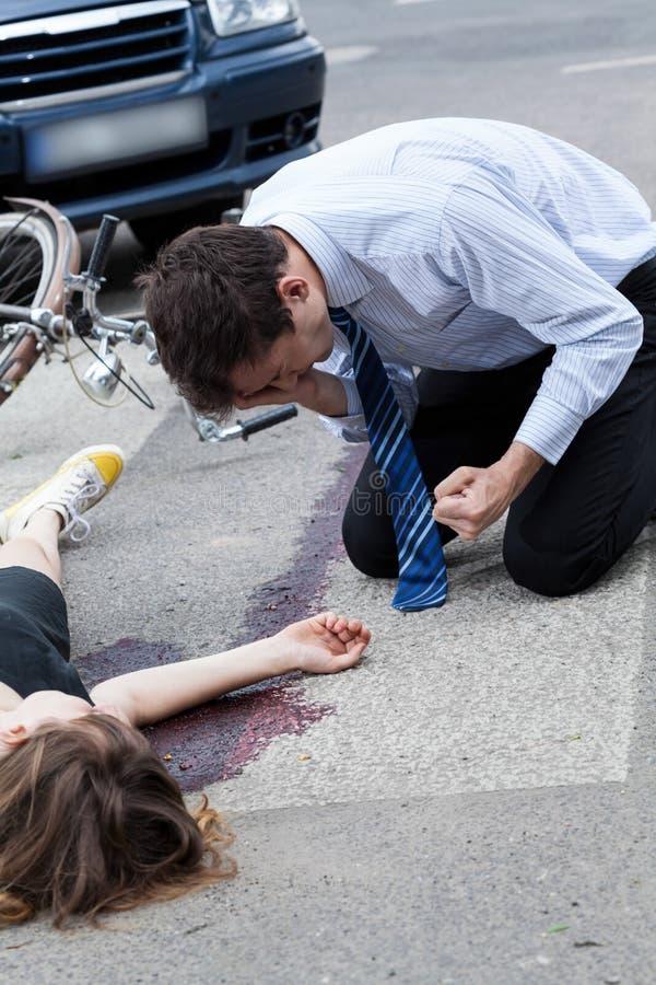 Conductor que mata a un ciclista imágenes de archivo libres de regalías