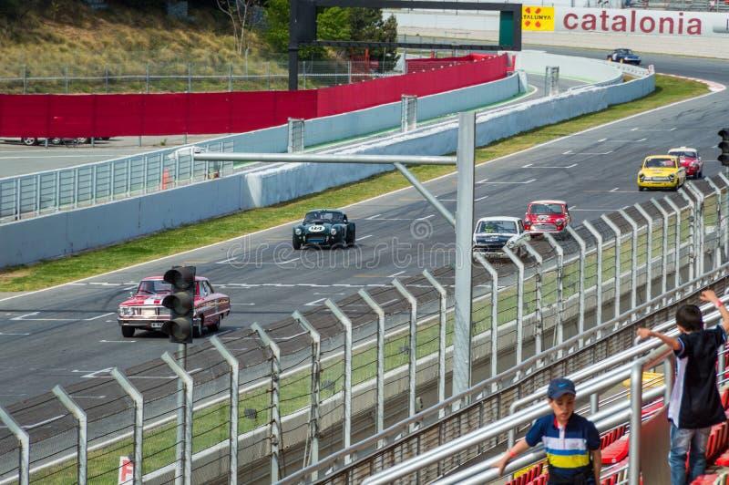 Conductores de los caballeros y touring car Pre-66 en el circuito de Barcelona, Catalu?a, Espa?a foto de archivo