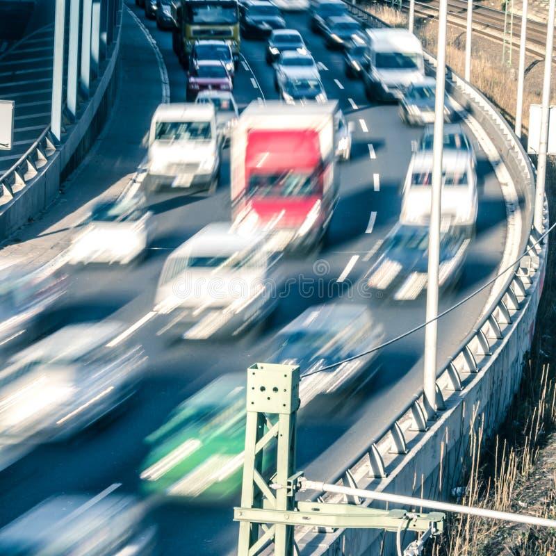 Conduire des voitures photos libres de droits