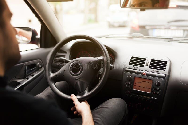 Conduire le véhicule photos libres de droits