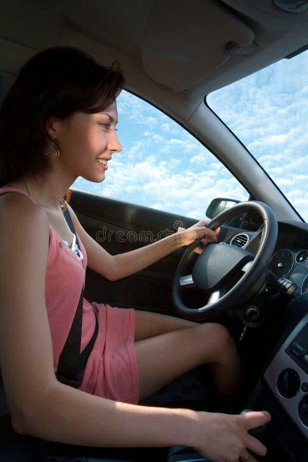 Conduire un véhicule photos libres de droits