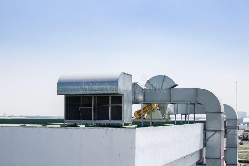 Conduit de construction supérieur d'odeur de système d'écoulement de ventilation d'air de toit photo libre de droits