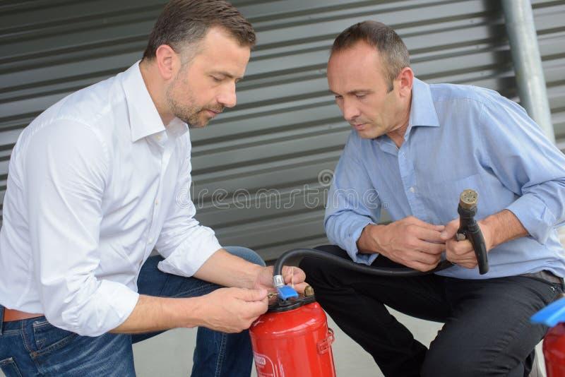 Conduite d'un foret de lutte contre l'incendie photos libres de droits